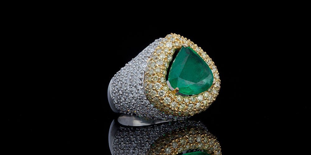 Natural Emerald and Fancy Yellow Diamond Ring
